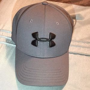 Men's Fitted Grey/Black Under Armour Hat